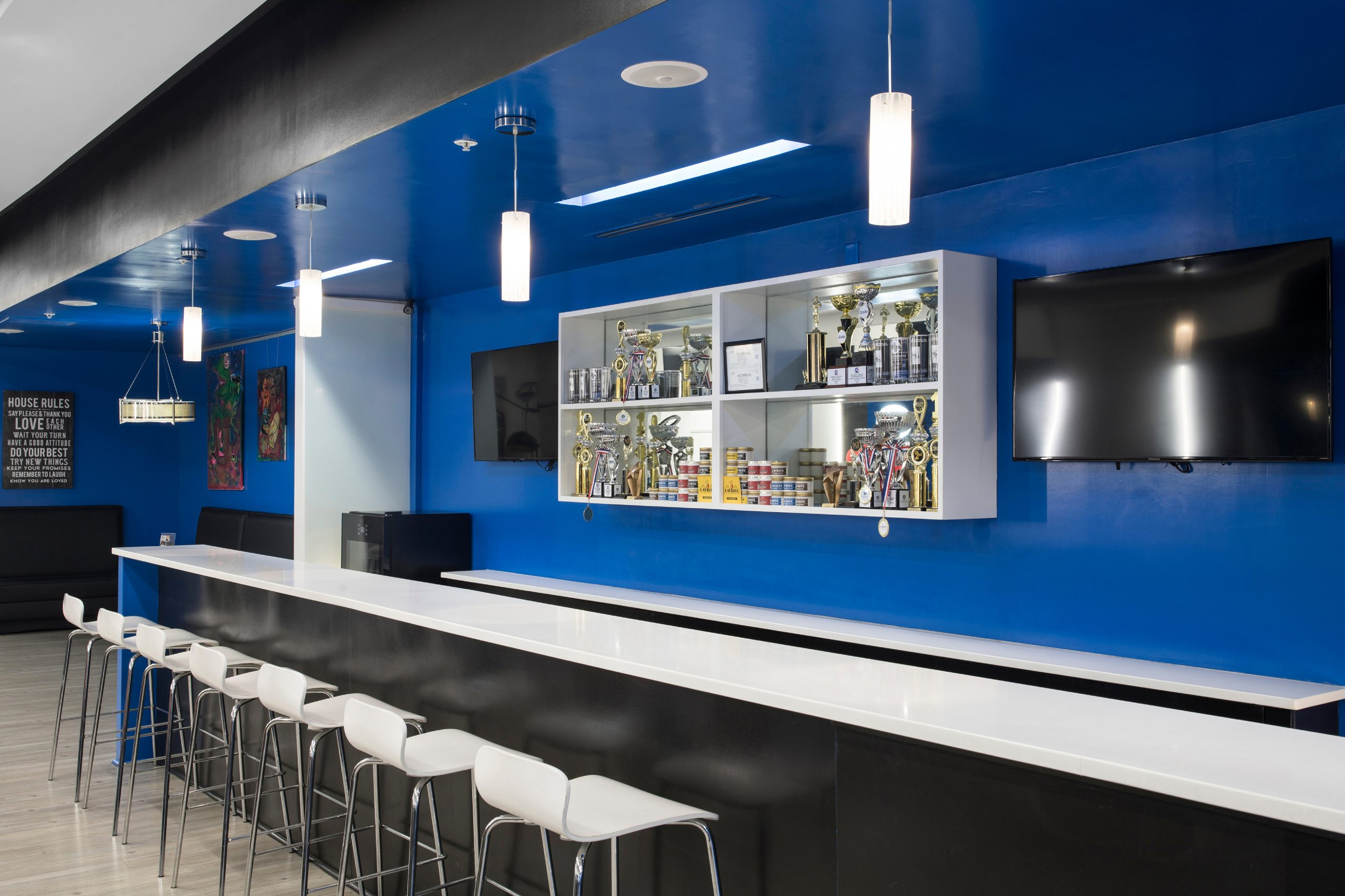 The Bar-Ber Shop 005